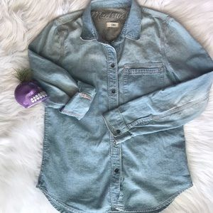 Madewell Chambray Button Down Shirt XS